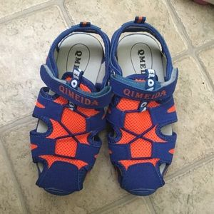 Other - Boys Sandals Outdoor Sport Closed-Toe Size 2.5